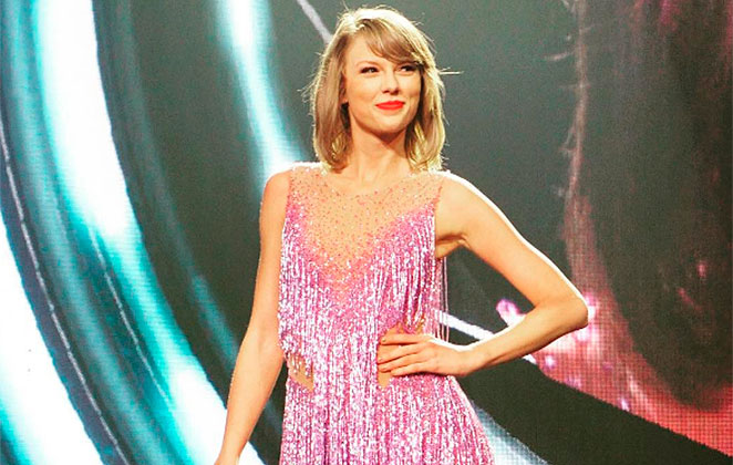 Denver DJ denies groping Taylor Swift in first day of trial testimony