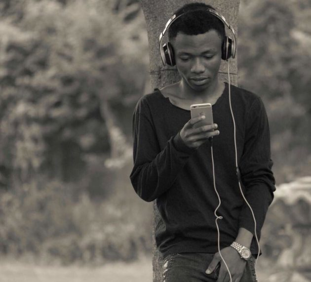 Have You Met The Guy Who Uses An iPhone To DJ? Find Out All You Need To Know About Him