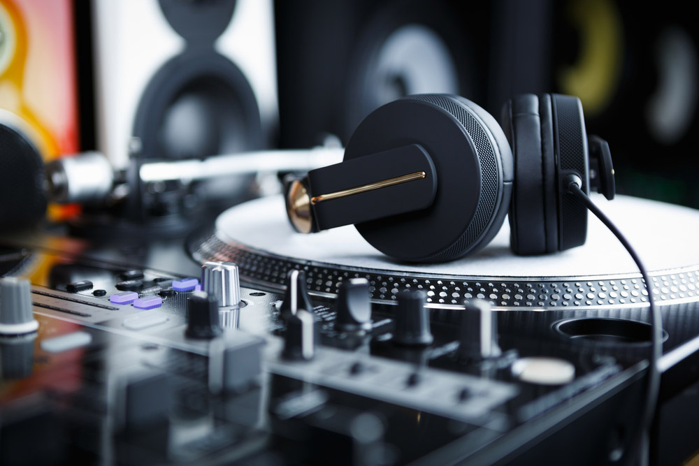 DJ earnings plunge to a five-year low as EDM revenues continue to